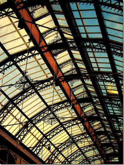 Під дахом - Pulen.info